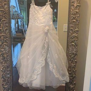 Girls bridesmaid / flower girls dress